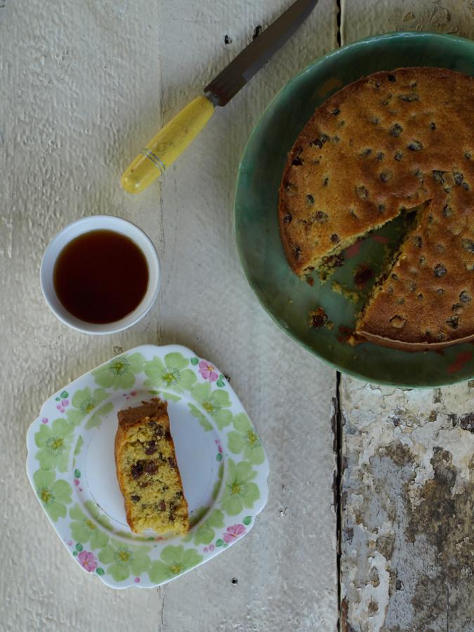 sultana polenta cake