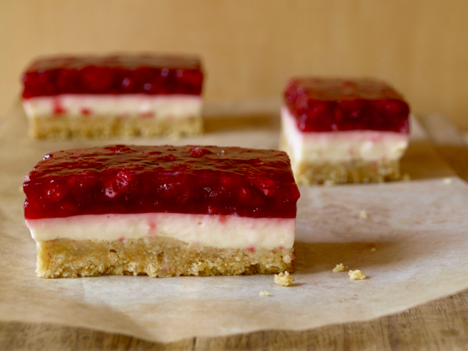 Raspberry jelly slice – with real raspberry jelly and without condensed milk